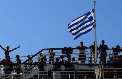 Migrants arriving in Piraeus.