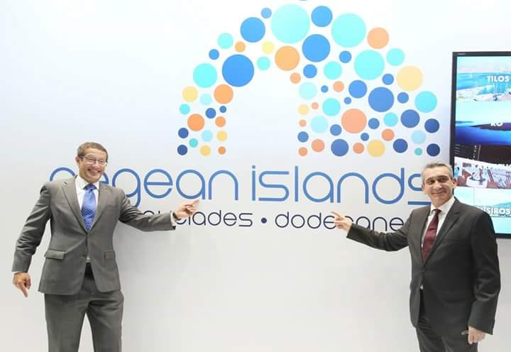 CNN journalist Richard Quest and South Aegean Prefect George Hadjimarkos at the region's stand.