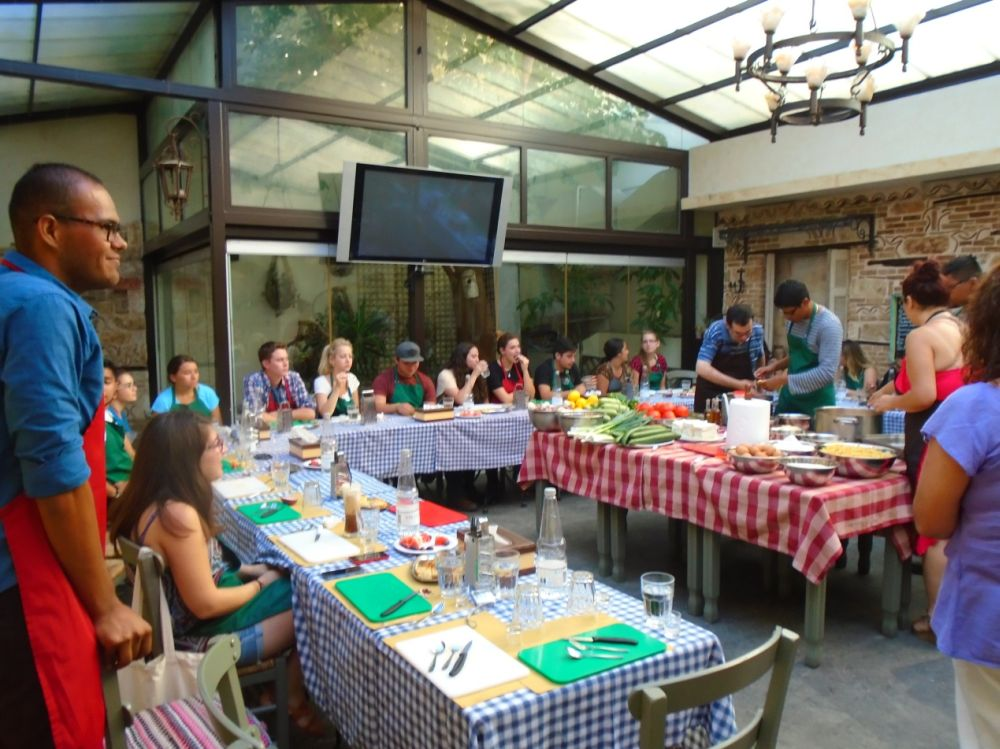 A Greek cuisine workshop at Diavlo.