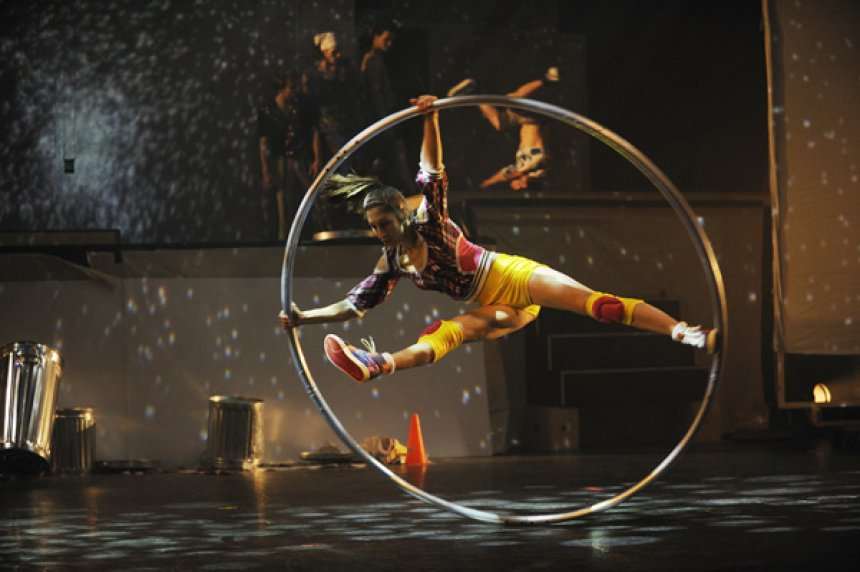 Cirque Éloize's iD is a blend of circus arts and urban dance: b-boying/b-girlin, breakdance and hip-hop.