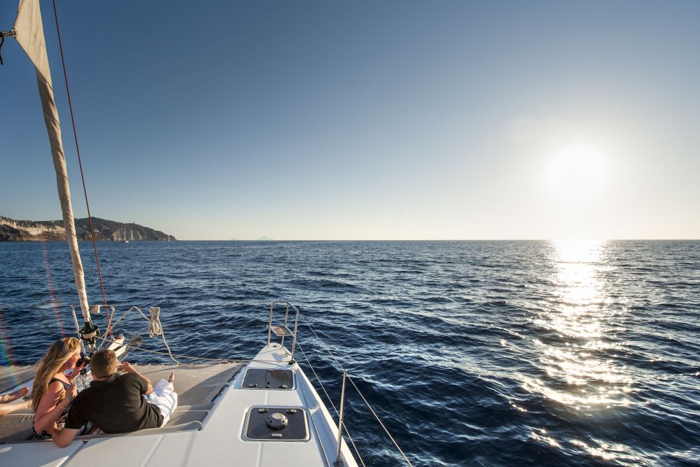 Private cruises by Caldera Yachting.