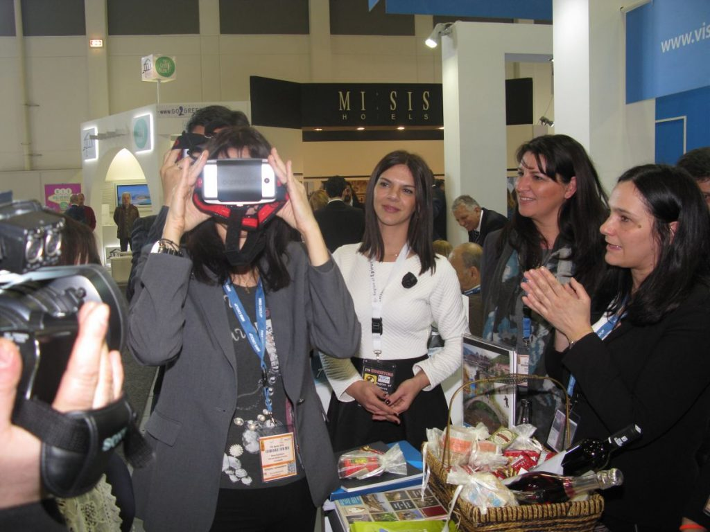 Minister Kountoura takes a virtual tour of the Region of Epirus.