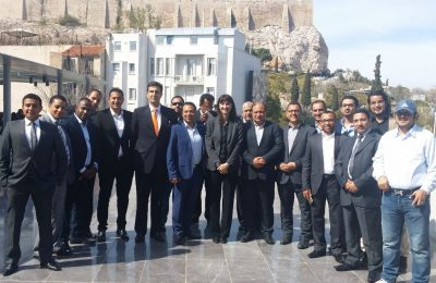 Greek Alternate Tourism Minister Elena Kountoura (center) and GNTO Secretary General Dimitris Tryfonopoulos (left) with the group of Saudi Arabian tour operators and travel agents in Athens.