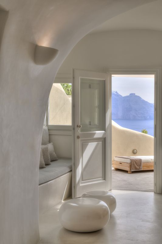 Santorini S 39 Mystique 39 Adds More Accolades To A Growing