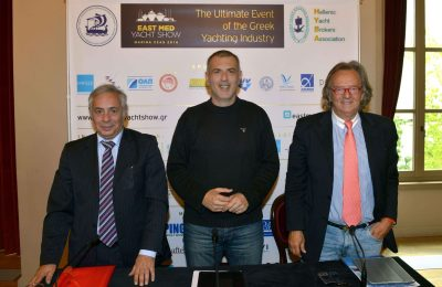 Yiorgos Kollintzas (HYBA), Piraeus Mayor Yiannis Moralis and Antonis Stelliatos (EPEST).