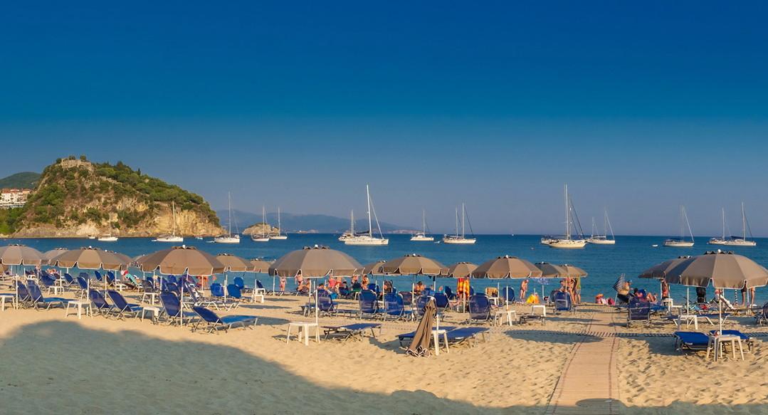 Greece_beach_tourism