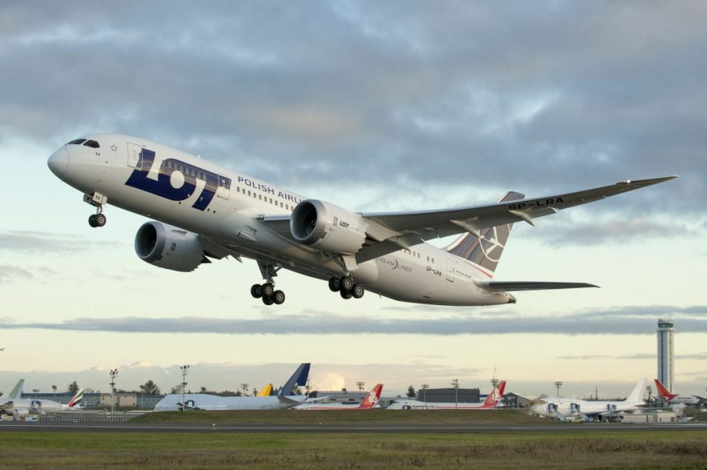 LOT_787_Dreamliner