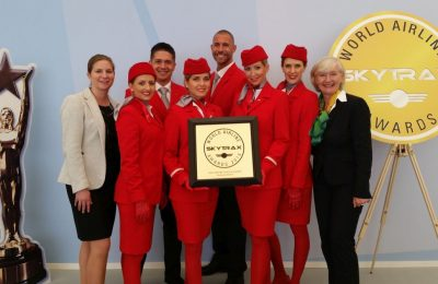 Austrian Airlines' Director Station Management International, Susanne Königsbauer (left) and Vice President Cabin Operation, Vera Renner (right) together with Austrian staff.