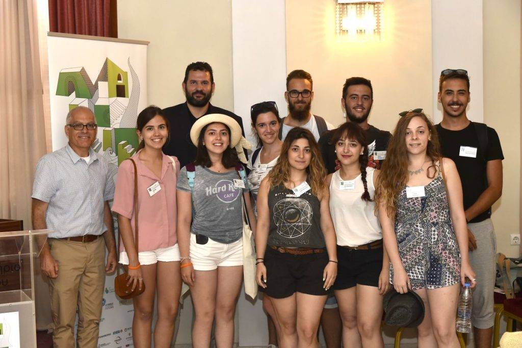 Ecoweek Founder Dr Elias Messinas with LoveGreece.com Project Director Vassilis Bartzokas and students from all over the world at Agios Nikolaos, Crete, this week. Photo credit: august.gr