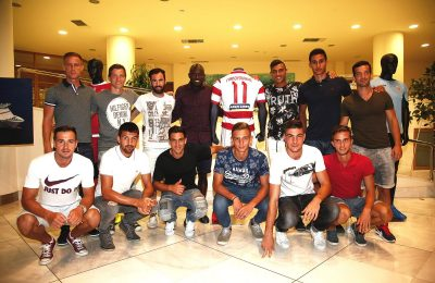 Players of Platanias team with their new uniform.