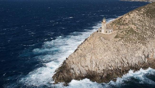 Tainaron Lighthouse, Laconia. Photo: © Greek Lighthouses