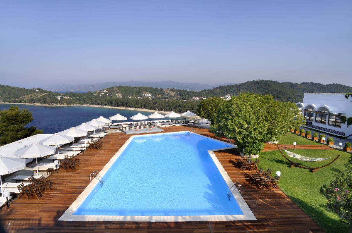 Skiathos palace hotel ideal for a 5 star autumn getaway for Skiathos hotels