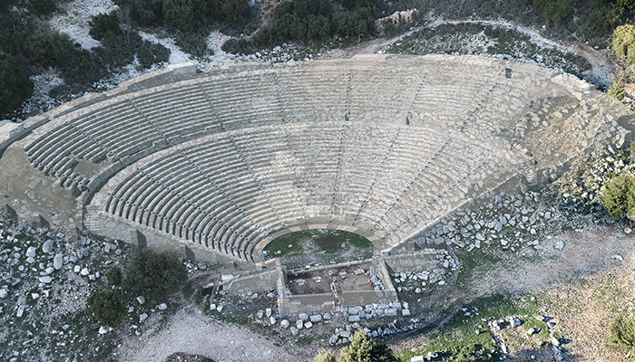 ancient-theatre_cassope