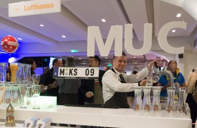 At the booth of the Frankfurt and Munich hubs, visitors enjoyed authentic cold German beer.