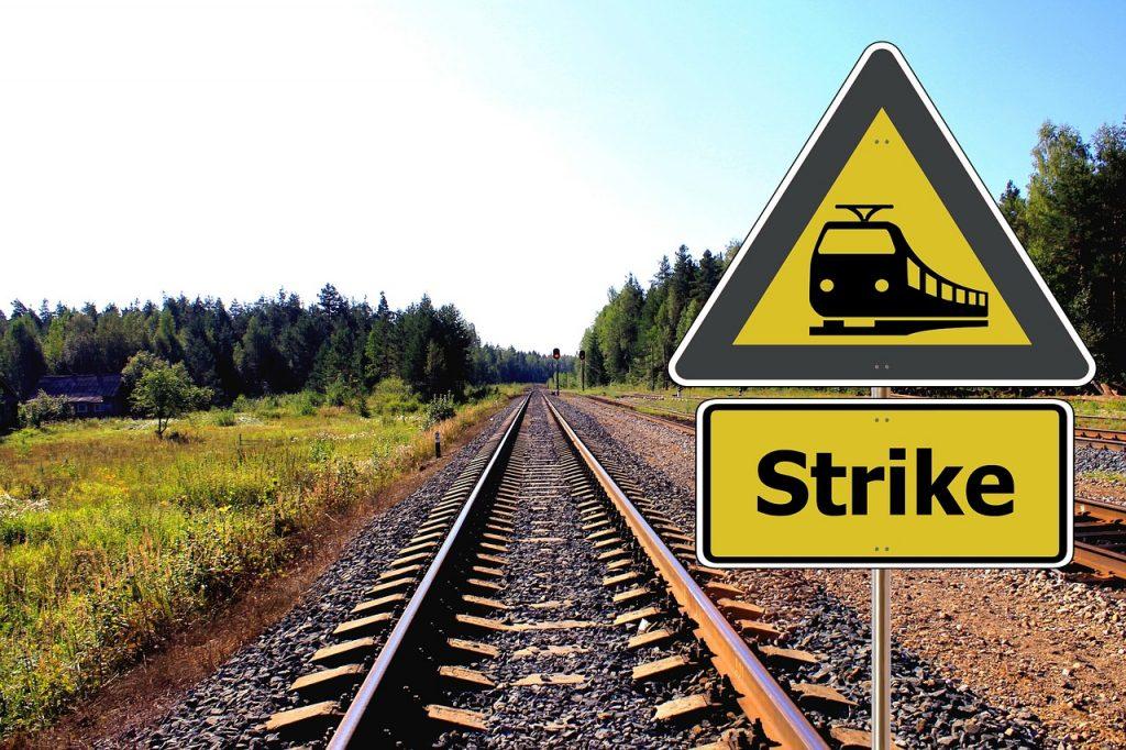 rail-418923_1280