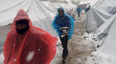 Refugees freezing on the snow-covered Greek islands. Photo source: Amnesty International / ©Ihab Abassi/MSF