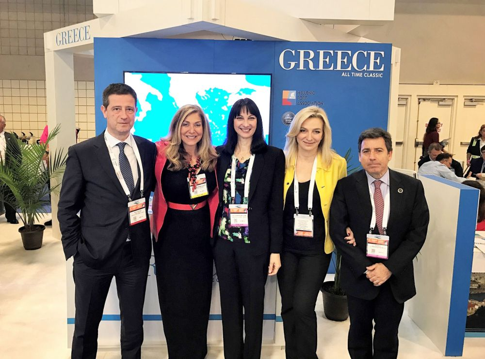Tourism Policy and Development Secretary General Yiorgos Tziallas, Crystal Cruises CEO Edie Rodriguez, Tourism Minister Elena Kountoura, GNTO Vice President Aggeliki Chondromatidou and Navigator Travel & Tourist Services President & CEO Andreas Stylianopoulos.