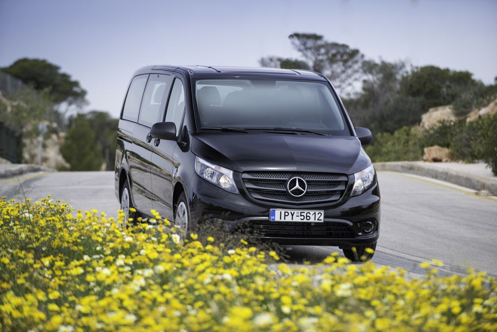 mercedes benz hellas introduces vito tourer dark edition. Black Bedroom Furniture Sets. Home Design Ideas