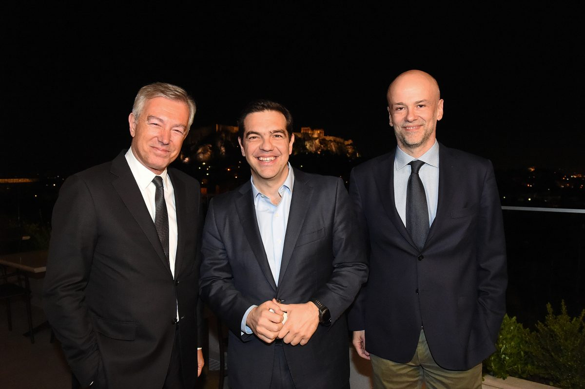 SETE President Andreas Andreadis, Prime Minister Alexis Tsipras and SETE Vice President and Hellenic Hotel Federation President, Yiannis Retsos.