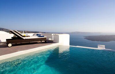 Dreams Luxury Suites by Aqua Vista Hotels.