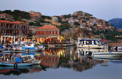 A view of Mithymna with the medieval castle of Molyvos. Photo © Heracles Kritikos / Shutterstock