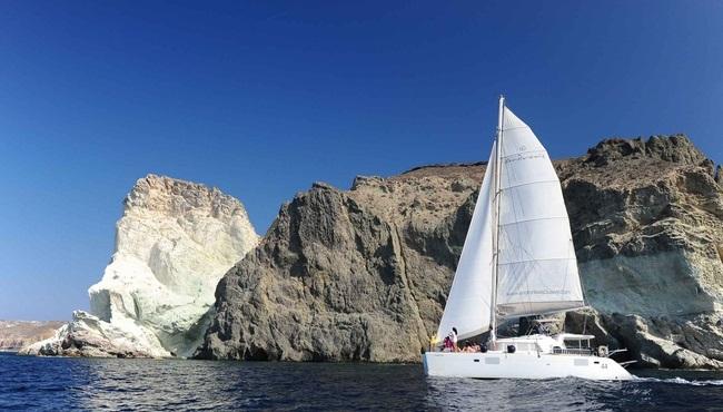 Spiridakos Santorini Sailing & Yacht Cruises