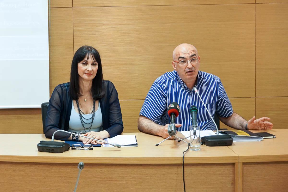 Greek Tourism Minister Elena Kountoura and Hellenic Chamber of Hotels Yiorgos Tsakiris.