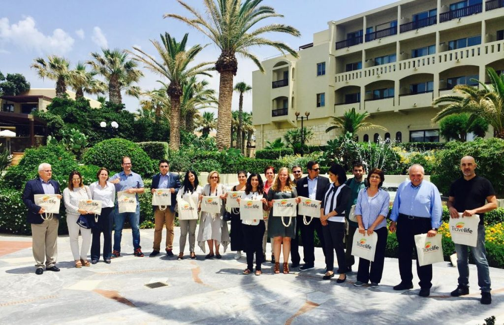 Travelive seminar participants at the Aquila Rithymna Beach hotel in Rethymno.