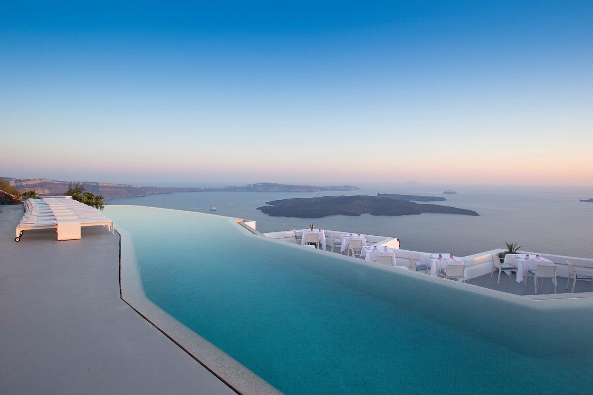 Designhotel Grace Santorini : Grace santorini s champagne lounge named best hotel bar in