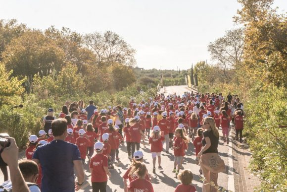 Massive participation of kids in the 1km running route of Navarino Challenge (photo by Mike Tsolis).