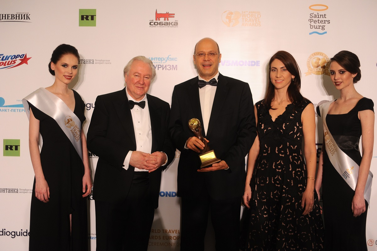 Graham Cooke, president and founder, World Travel Awards; Roland JaggiAEGEAN director revenue management, pricing, sales and distribution; Stella Dimaraki, AEGEANInvestor Relations Manager.