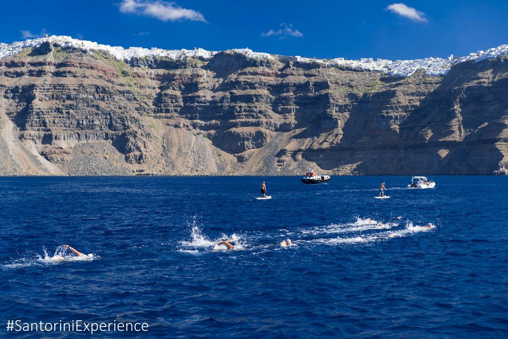 Swimming @ Santorini Experience: Photo by Elias Lefas