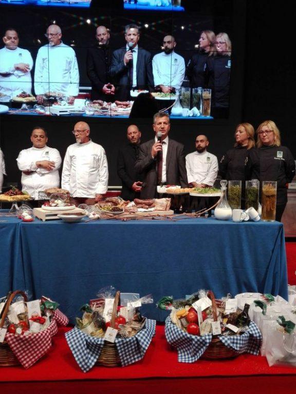 "SETKE President Panagiotis Tokouzis presenting the ""South Aegean Breakfast Basket""."