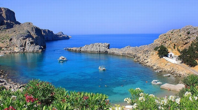 Agios Pavlos, Lindos. Photo © Facebook - ΟΙ ΟΜΟΡΦΙΕΣ ΤΗΣ ΕΛΛΑΔΑΣ ΜΑΣ
