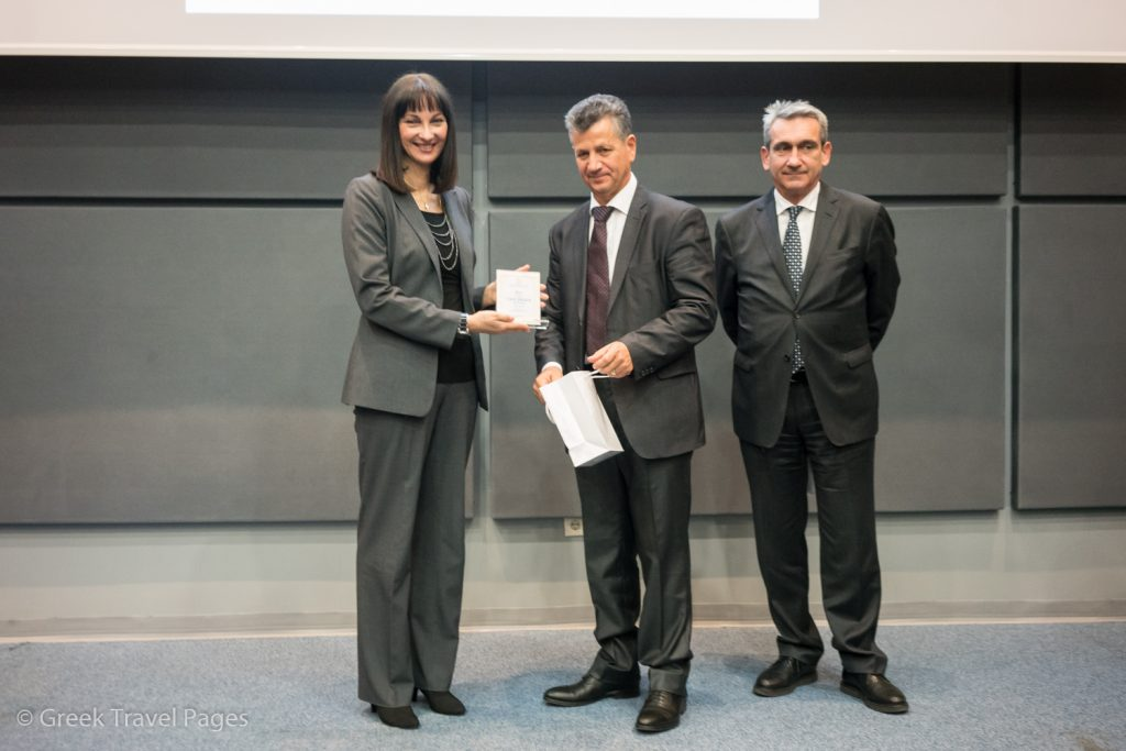 "Greek Tourism Minister Elena Kountoura received an honorary plaque from SETKE President Panagiotis Tokouzis for her support to the confederation, the tourism accommodation industry and the ""Breakfast Basket"" initiative."