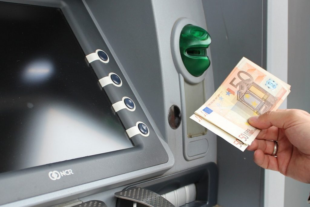 Nigerian Banks Stop ATM Cash Withdrawal Abroad | 745ng