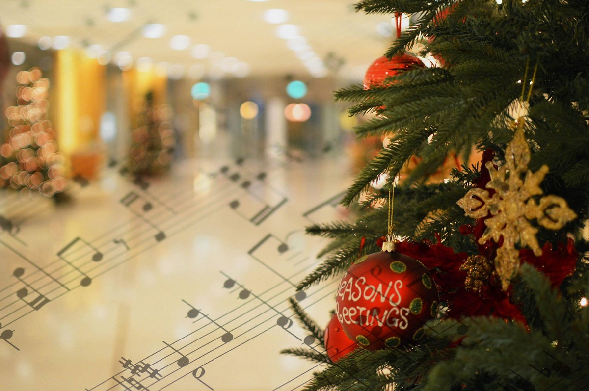 Hilton Athens Welcomes Holiday Season with Christmas Carols, Charity ...
