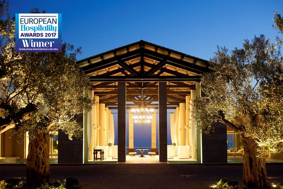 Costa navarino honored with a series of prestigious awards for Hotel luxury awards 2017