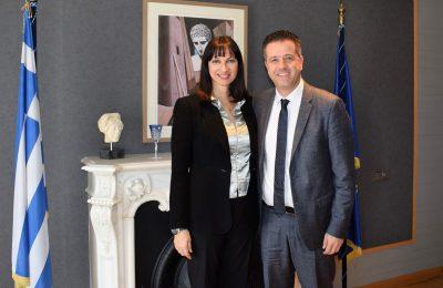 Tourism minister Elena Kountoura and Hellenic Hoteliers Federation (POX) president Grigoris Tasios.