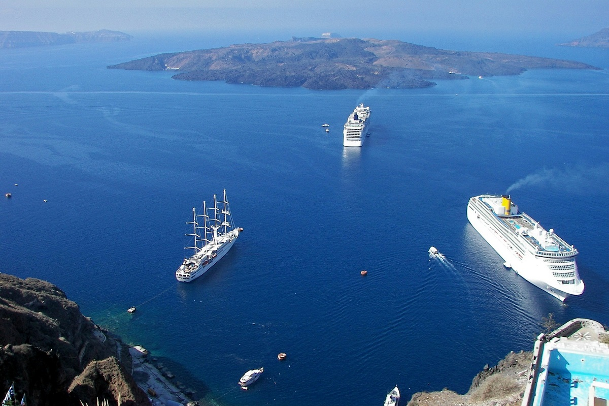 Santorini Cruise Ship Controls Kick Off GTP Headlines - Cruise ship controls