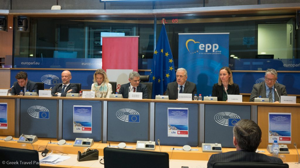 (From left to right) SETE PR Xenofon Petropoulos, SETE President Yiannis Retsos, Greek MEP Elizabeth Vozenberg, Greek MEP Miltos Kyrkos, European Commissioner for Migration Dimitris Avramopoulos, Marketing Greece CEO Ioanna Dretta and SETE Institute General Director Ilias Kikilias. Photo credit: Greek Travel Pages (GTP)