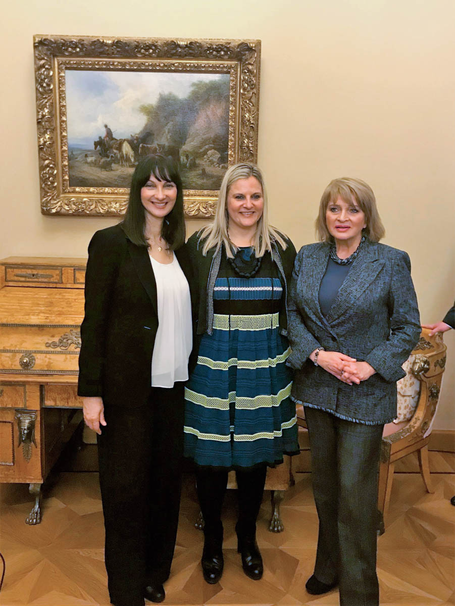 Greek Tourism Minister Elena Kountoura, Tourism Ministry Secretary General Evridiki Kourneta and Deputy Culture Minister of the Russian Federation Alla Manilova.