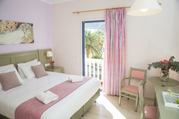 Sunshine Hotel, Santorini