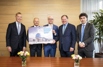 KLM CFO Erik Swelheim; KLM Nederland Director Harm Kreulen; Arcadis NL BV Director of Finance Frans Hofstede; Arcadis NV Director of Sustainability, Investor Relations & External Affairs Joost Slooten; SkyNRG CFO Theye Veen.