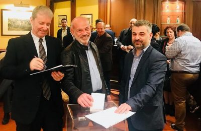 The newly elected president of the Macedonia-Thrace Hotel Managers Association Nikolaos Mantamopoulos (left) at the ballot box. Photo Source: @Macedonia-Thrace Hotel Managers Association