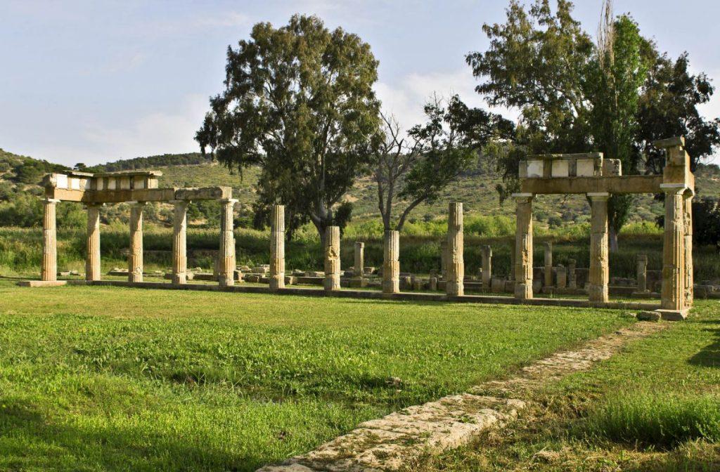 The temple of Artemis, a doric prostyle temple. Photo: © Panos Karas / Shutterstock