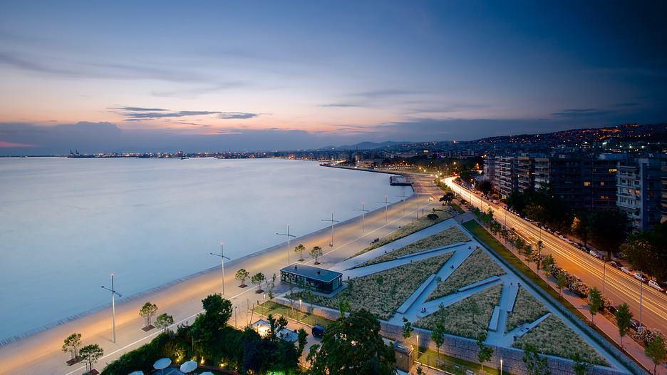 "The landmark ""Umbrellas"" sculpture in Thessaloniki. Photo Source: Thessaloniki Hotels Association"