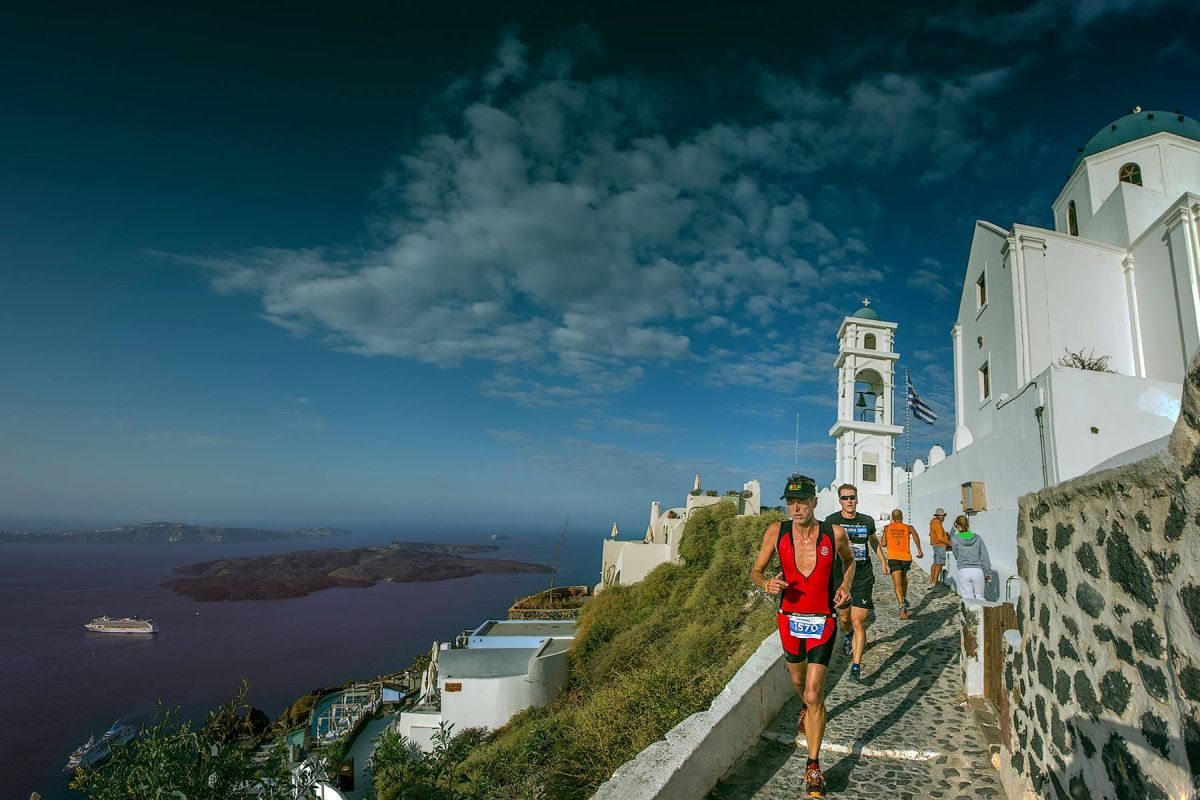 Santorini Experience: Running event. Photo by Loukas Hapsis