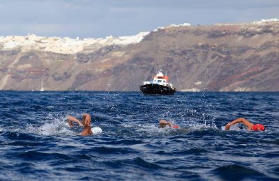 Santorini Experience: Swimming event. Photo by Babis Gkiritziotis