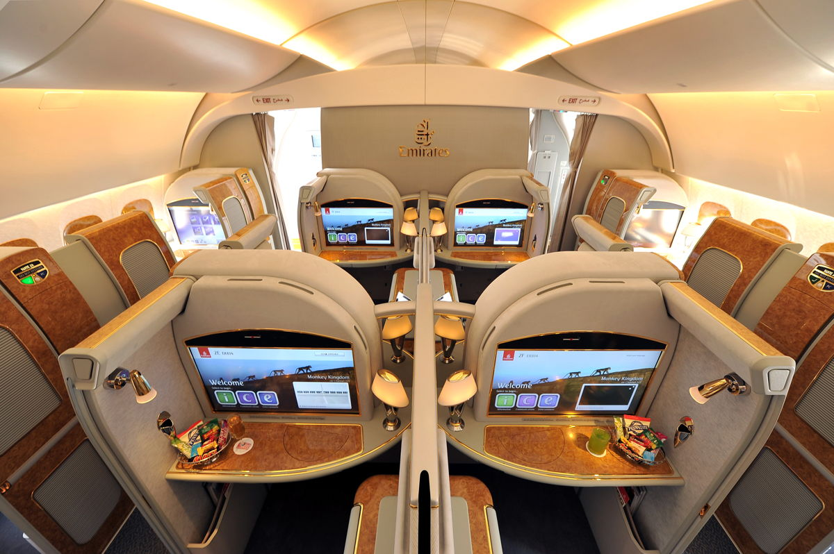 Emirates' Superjumbo A380 to Operate Athens-Dubai Service ...